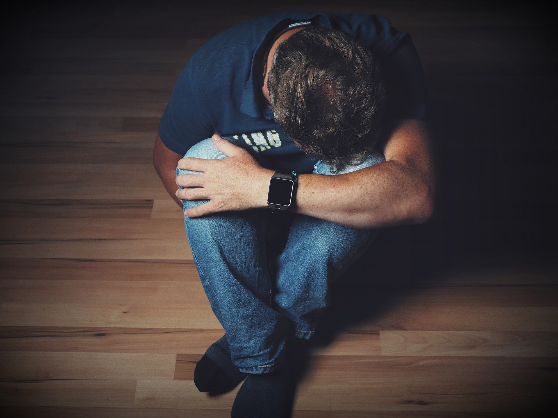 homme seul triste